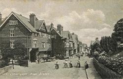 1015  -  Lyndhurst High Street