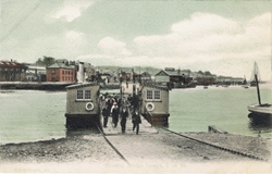 399  -  Floating Bridge, Cowes, I.W.